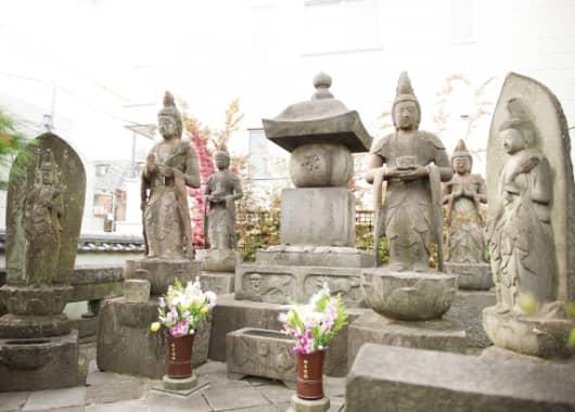 檀祖・芸州八代姫様のお墓